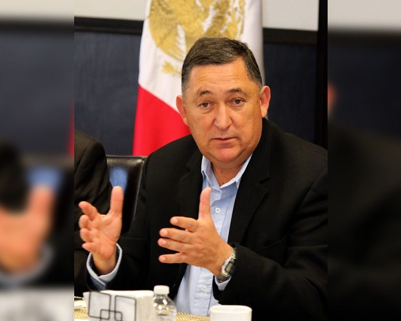 Otorgan licencia a Isidro López